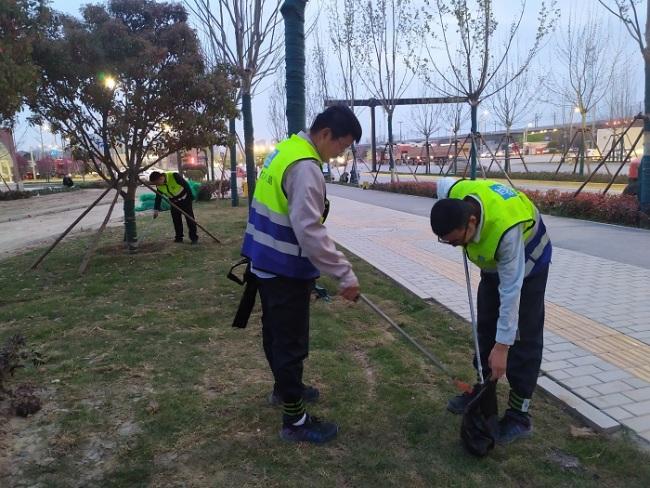 喜迎十四运 陆港·宁海湾项目开展志愿活动