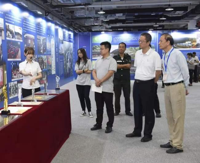 采访团参观引汉济渭工程科技创新成果
