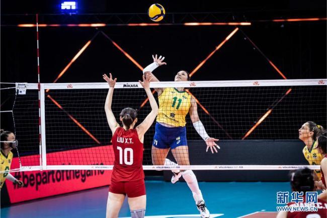 世界女排联赛:中国队3比2战胜巴西