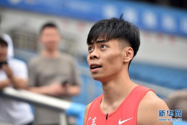 天下田径锦标赛:男人100米陈冠锋10秒06夺冠