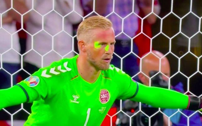纵容球迷使用激光笔等行为,英足总被罚3万欧元