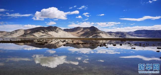 西藏定结湿地:静水如镜(图)