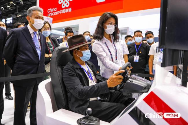 西藏基层干部赴京参观2021年 中国国际信息通信展览会