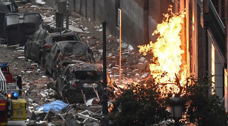 西班牙首都一养老院发生强烈爆炸:浓烟滚滚,碎片遍地